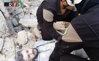 Polémico video de las fuerzas de la oposición siria haciendo el 'Mannequ...