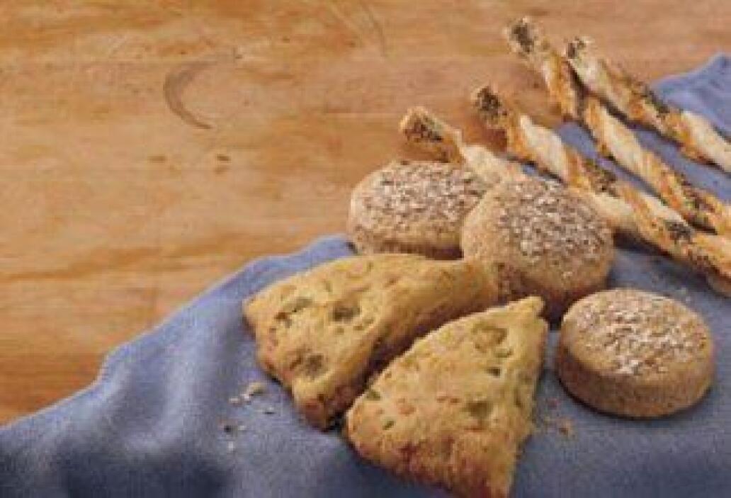 """""""Muffins"""" de tocino y queso: Les presentamos una receta donde la masa de..."""