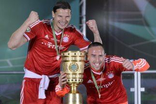 Tanto Ribery como el holandés Van Buyten prolongaron sus vínculos con el...