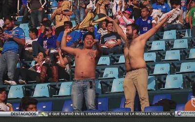 Corazón Fanático: La fiesta durante el Cruz Azul vs Pumas estuvo en las...