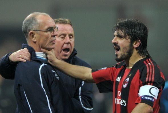 Apareció el segundo entrenador del Tottenham Joe Jordan, y el italiano n...