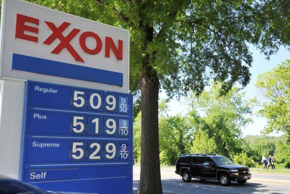 La petrolera Exxon Mobil destronó este viernes a Apple como la co...