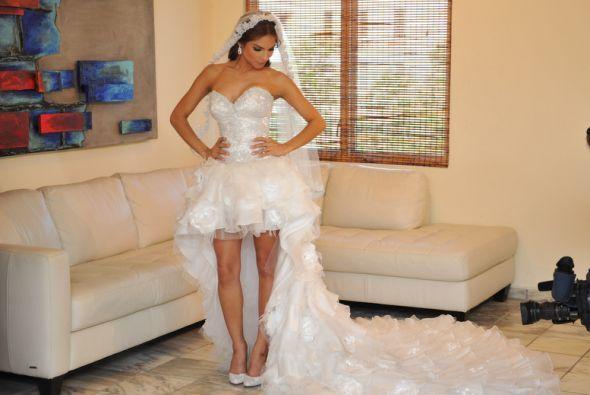 Y así fue el momento en que se develó el vestido de Alejandra Espinoza.