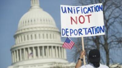 """Los congresistas hispanos están tratando de llegar a """"un consenso"""" en lo..."""