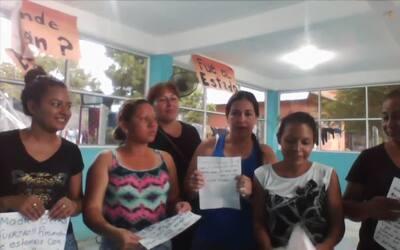 Grupo de migrantes centroamericanas que viajan hacia EEUU apoya huelga e...