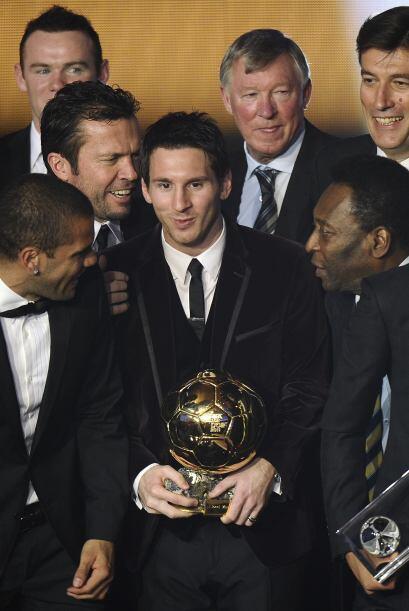 Es un lujo tener a tantas figuras del fútbol reunidas para rendir homena...