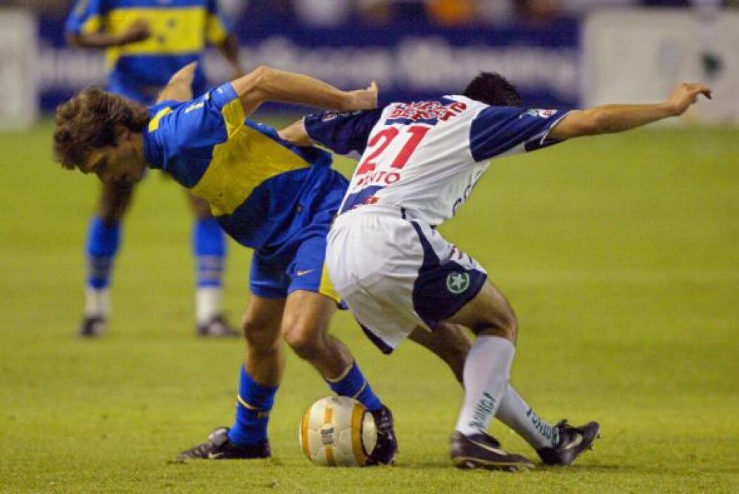En 2005 hubo doble duelo entre mexicanos y el Boca Juniors cuando se enc...