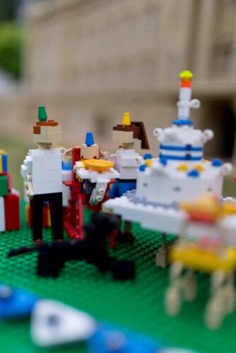 Una fiesta de cumpleaños para el miembro más pequeño de la realeza ingle...