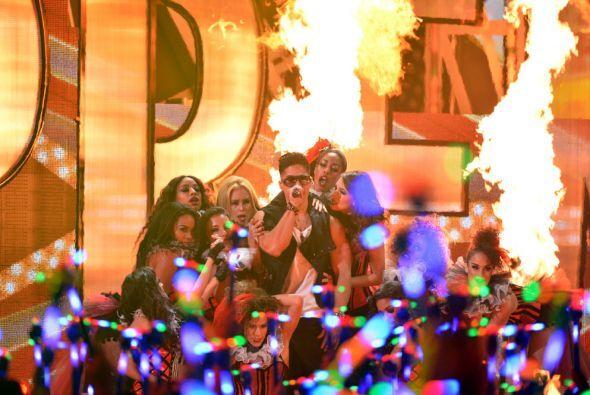 Y para poner todo el calor a la noche compartieron escenario con Los Cad...