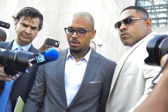 A las afueras de la corte Chris Brown declaró a la prensa que su...