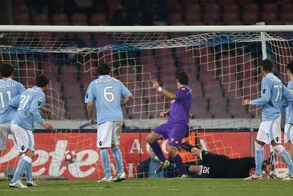 La Fiorentina le dio la vuelta al marcador con dos goles de Gilardino.