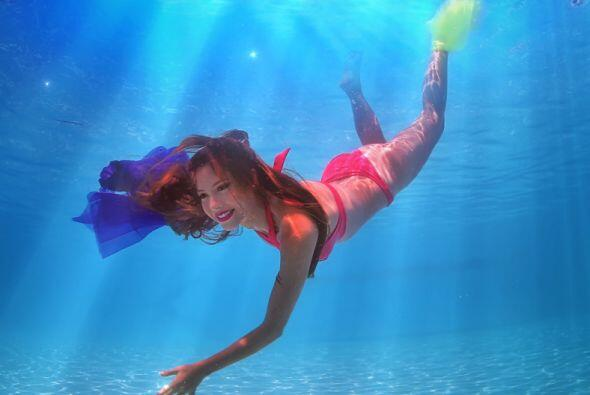 La mexicana Mariana Torres es conocida como la ''chica besucona'' de Nue...