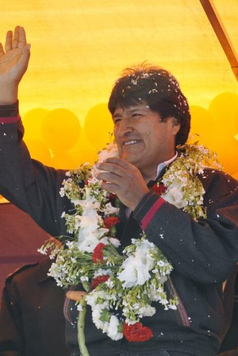 Morales firmó un contrato de financiamiento para la adquisición de equip...