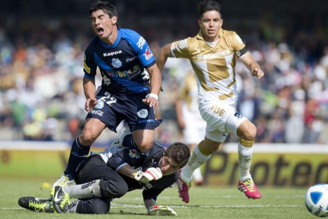 Matías Alustiza.- El atacante del Puebla se echo al hombre a su equipo e...