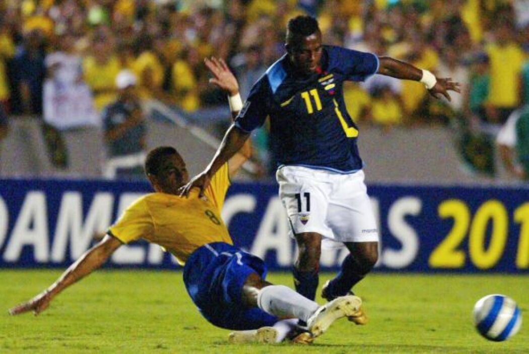 Con Ecuador, acumuló un total de 58 partidos para marcar 24 tantos.