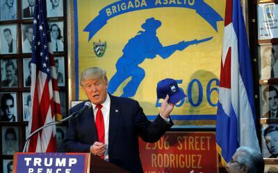 Donald Trump durante su reunión en Miami con la Brigada 2506.