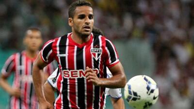 Douglastiene 24 años y juega de lateral derecho, firmará con el Barça p...