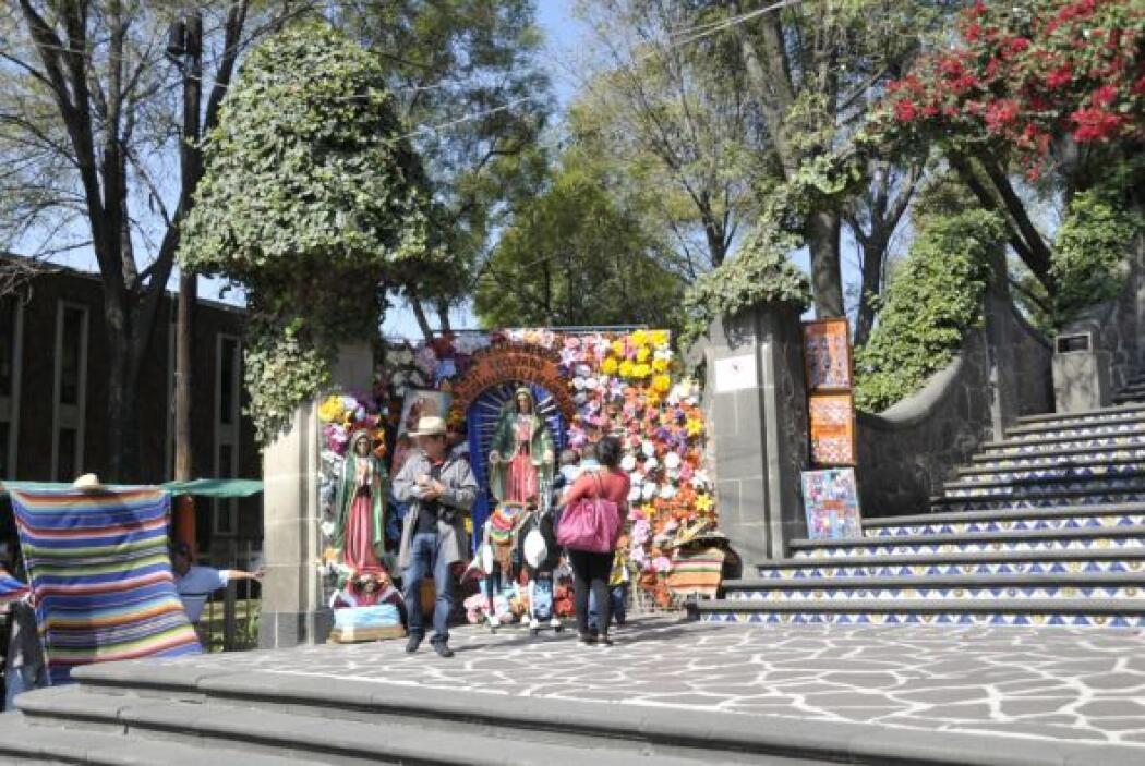 Uno de los componentes tradicionales de la Basílica de Guadalupe son las...