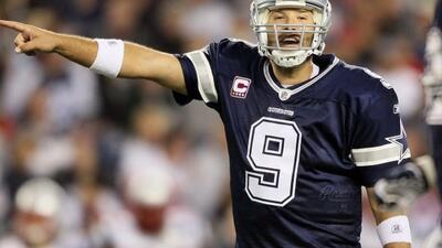 El mariscal de campo de los Dallas Cowboys, Tony Romo, durante un partid...