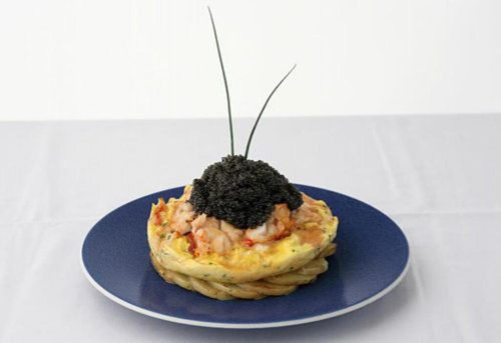 Este es el omelette mas caro del mundo.  Está hecho de una libra de lang...
