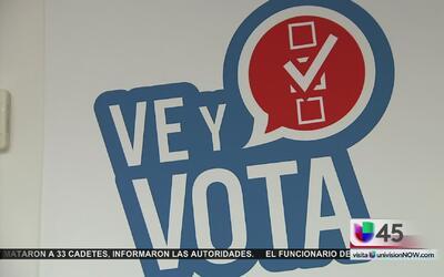 Ted Cruz y George P. Bush alientan a la población a votar en la elección...
