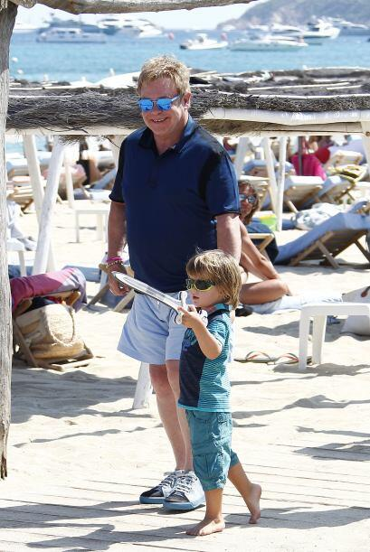 Padre e hijo disfrutando de la vida.