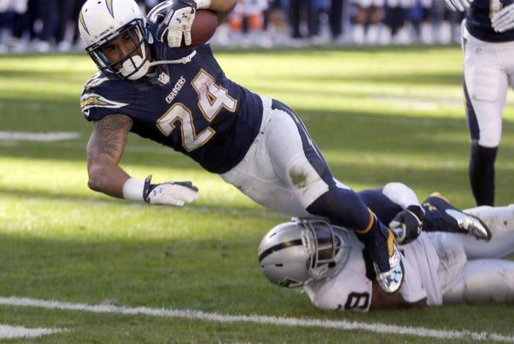 Ryan Matthews corrió para 99 yardas y un touchdown y los Chargers se man...
