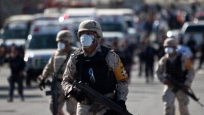 Elementos del Ejército mexicano colocaron retenes para dar con los reos...