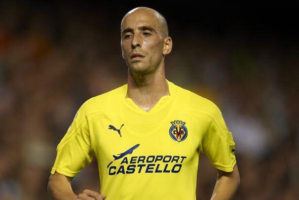 Borja Valero juega en el Villarreal de España. Su equipo lucha por el te...