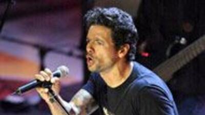 Draco Rosa vuelve con un disco de duetos con artistas como Shakira y Jua...