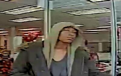 Autoridades buscan a sospechoso de robo que se liberó de las esposas en...