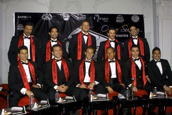 El productor Omar Suárez presentó al elenco del musical &q...
