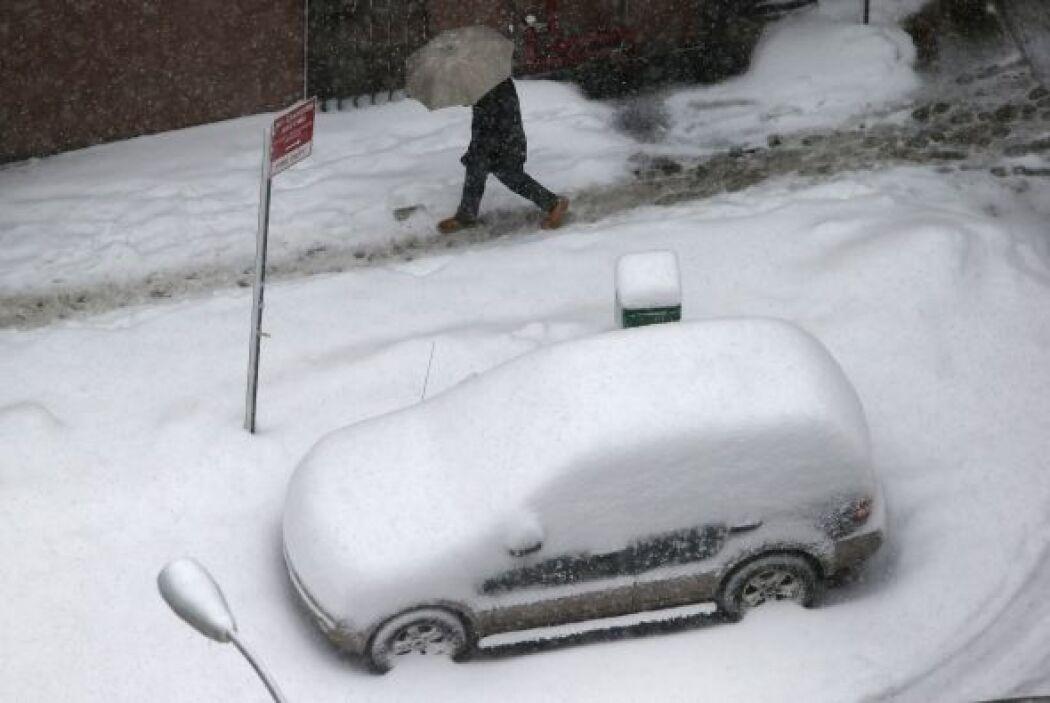 En el estado de Nueva York se ha emitido una advertencia de tormenta, qu...