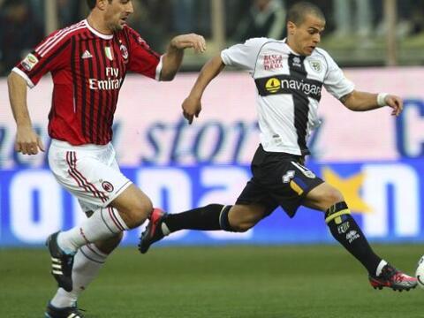 Parma recibió la visita del líder Milan, con todas sus fig...