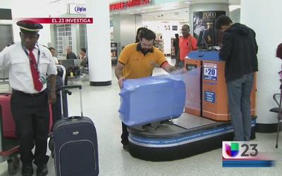 Aprueban regular la plastificación de maletas en Miami