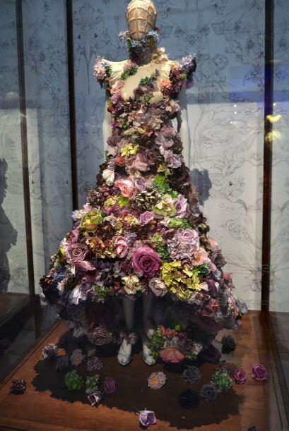 Una obsesión romántica con la naturaleza es la que muestra este vestido...