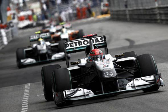 El alemán Michael Schumacher logró quedar sexto al adelant...