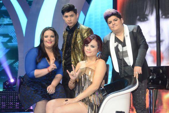 Ana Cristina con sus compañeros Yazaira, Danny y Stephanie.