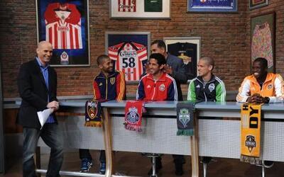 Alvaro Saborío, Edgar Mejía, Osvaldo Alonso y Oscar Boniek García,  juga...