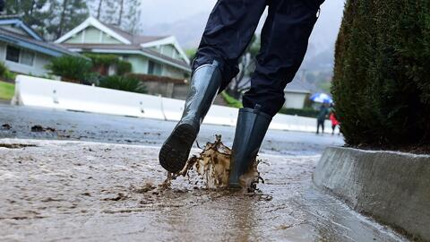 A pesar de las inundaciones y fuertes tormentas, la sequía en California...