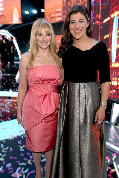 Las comadres de 'The Big Bang Theory', Melissa Rauch y Mayim Bialik.