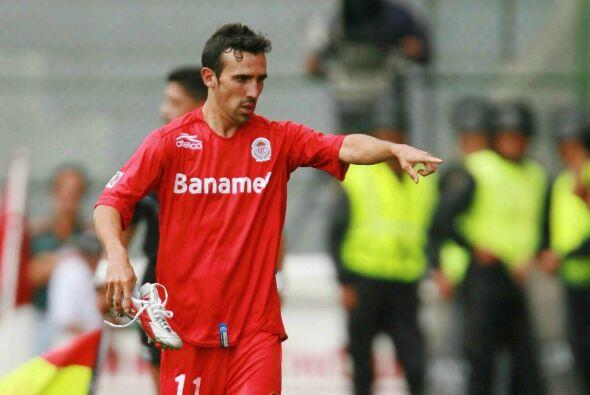 Otro jugador del Toluca que emigró a Europa es Vicente Sán...
