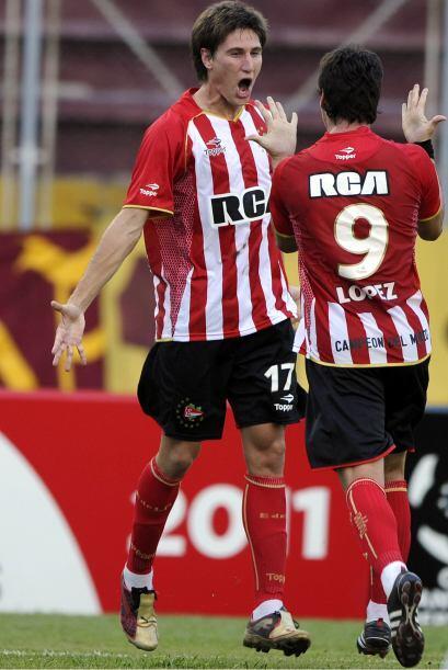 Estudiantes de la Plata logró su objetivo y a expensas del Deportes Toli...