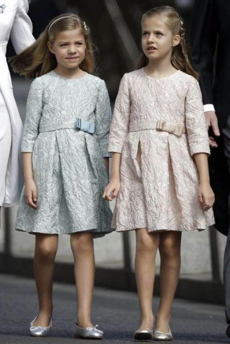 Sus hijas lucían primorosas.