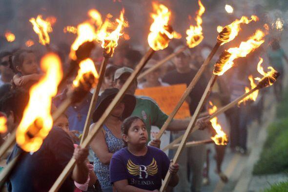 Así marcharon y protestaron en Acapulco, Guerrero.