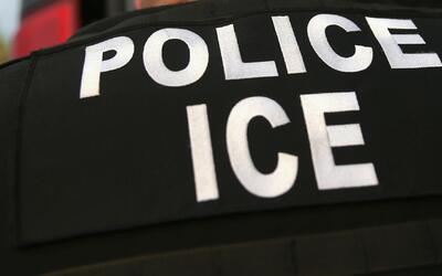 Conozca sus derechos: ¿qué pasa si deportan a algún inmigrante en proces...