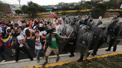 Continúa la violencia en Venezuela y cada día es más complicado consegui...