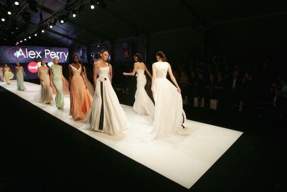 Los moños son un clásico de los vestidos de novia, pero si...