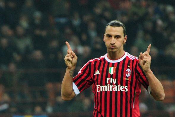 'Ibra' firmó su segundo tanto del duelo y el Milan se impuso por 4-0 par...