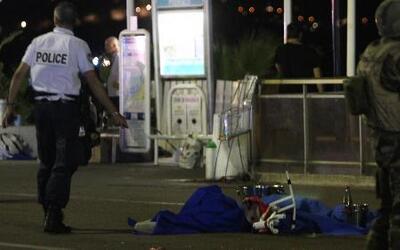 Ataque en Niza empaña celebración en Francia